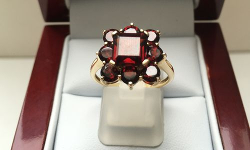 NATURAL GARNET RING 9 CARAT GOLD DGDR2502 in Limited Editions